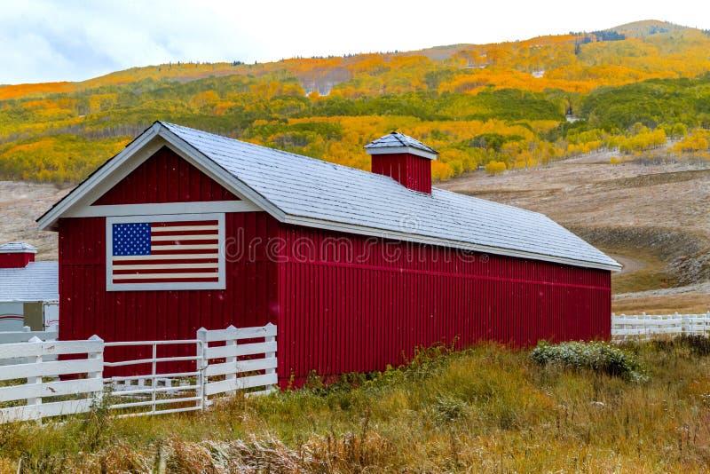 秋天颜色和雪在科罗拉多 免版税库存图片