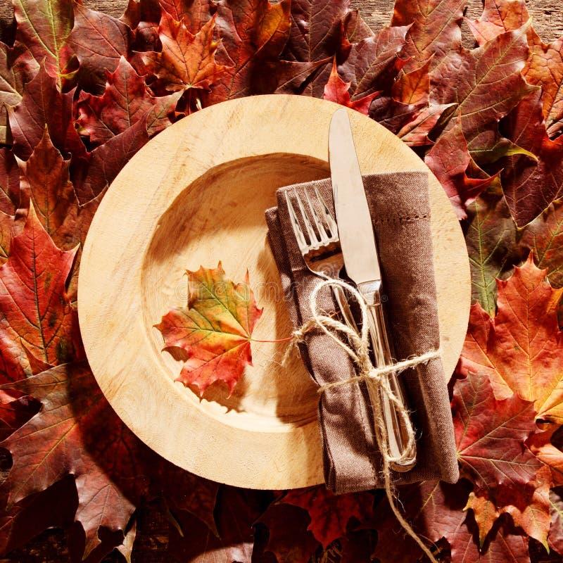 五颜六色, 刀叉餐具, 装饰, 设计, 餐具, 盘, 下来, 吃, 空, 秋天图片