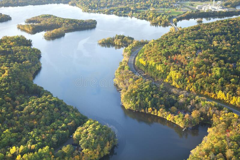 秋季密西西比河弯道的航视 免版税图库摄影