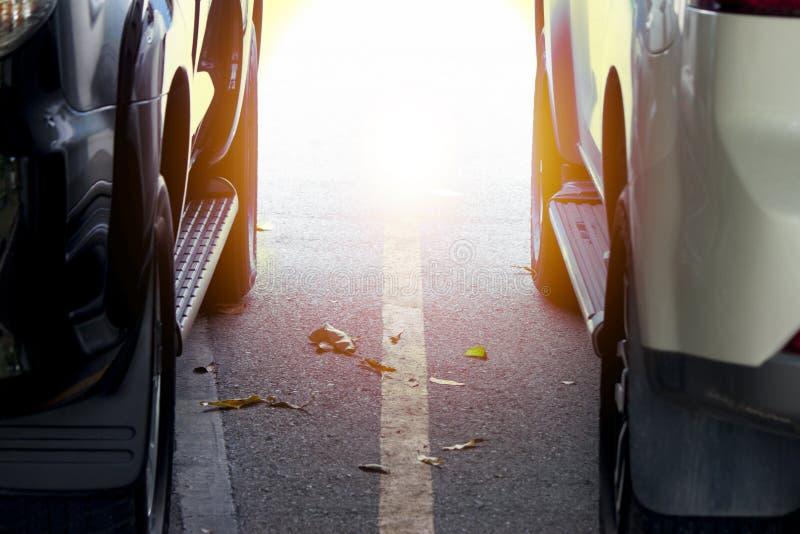 种族的阻力汽车在路 库存照片