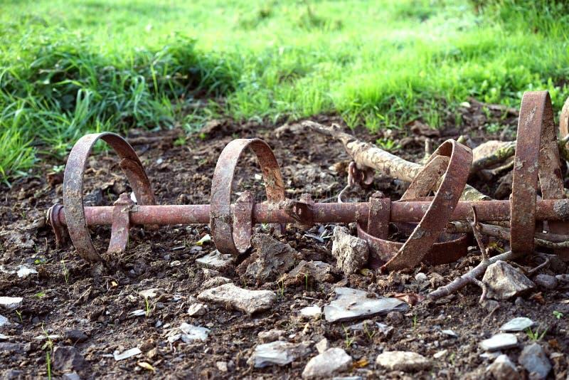 种田耕地机从一个以往的时代 图库摄影