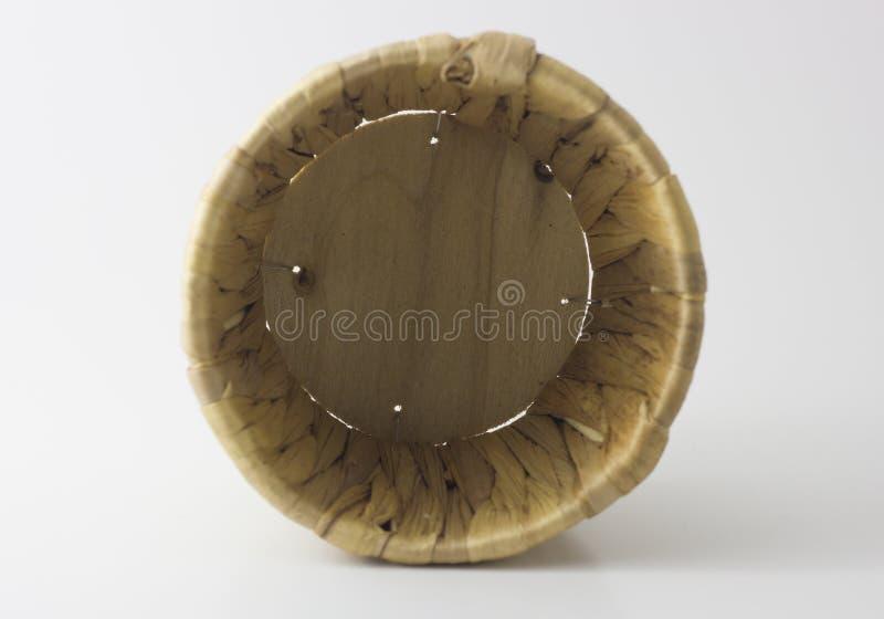 种类中国蜜钱在白色背景的一个篮子蒸了 图库摄影