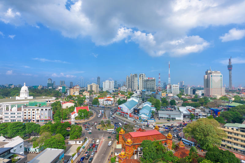 科伦坡市顶视图和交通堵塞在市中心 库存照片