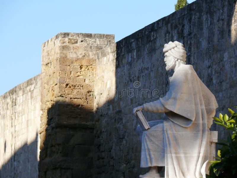 科多巴,西班牙,01/02/2007 哲学家伊本・鲁世德的雕象 免版税库存照片