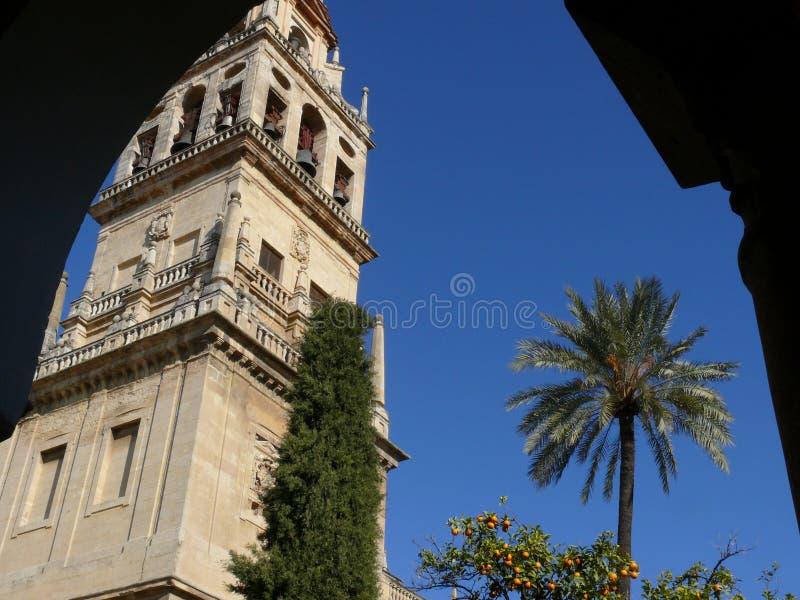 科多巴,西班牙,01/02/2007 清真寺大教堂的钟楼 免版税库存照片