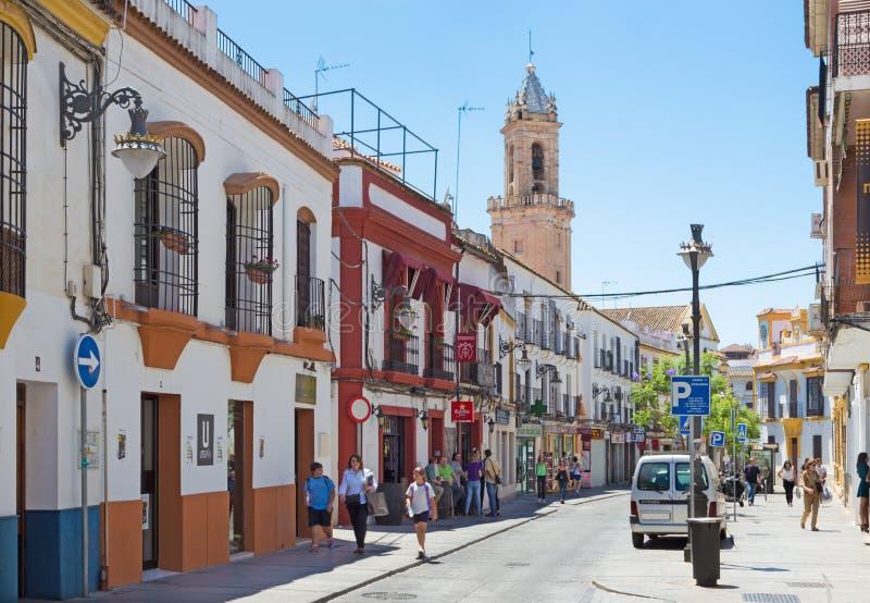 科多巴,西班牙- 2015年5月26日:典型的安达卢西亚的街道 免版税库存图片