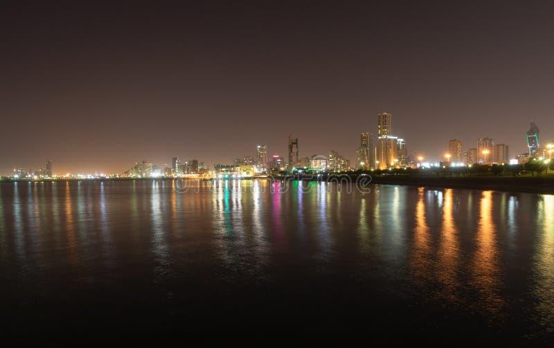 科威特在晚上 库存照片
