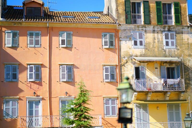 科孚岛镇老大厦的经典细节  图库摄影