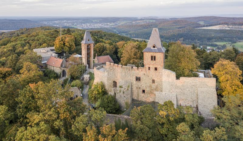 科学怪人城堡鸟瞰图在南黑森,德国 库存图片