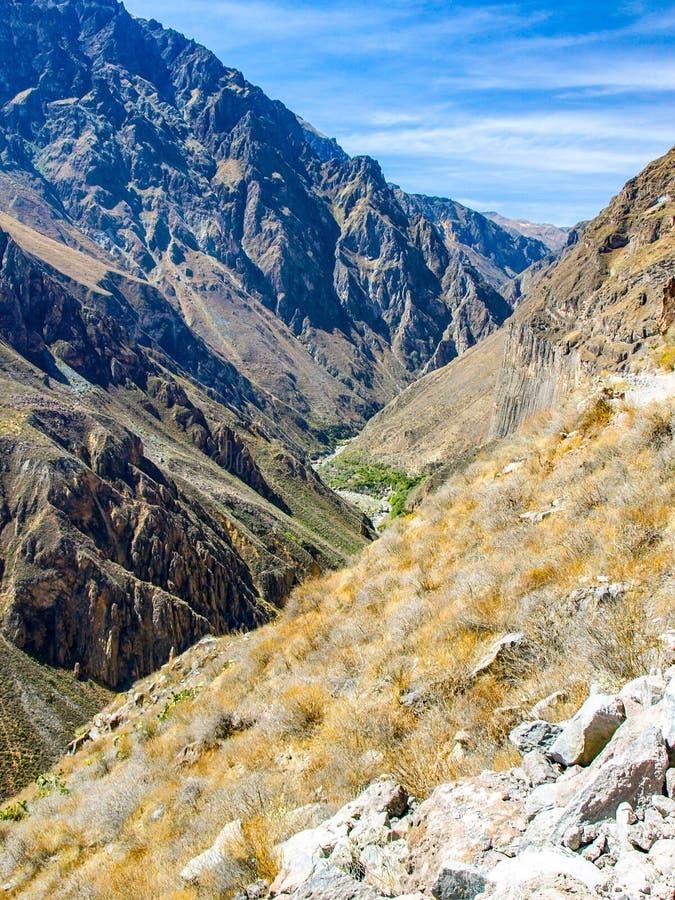 科尔卡峡谷-世界,秘鲁,南美洲的最深的峡谷 免版税图库摄影