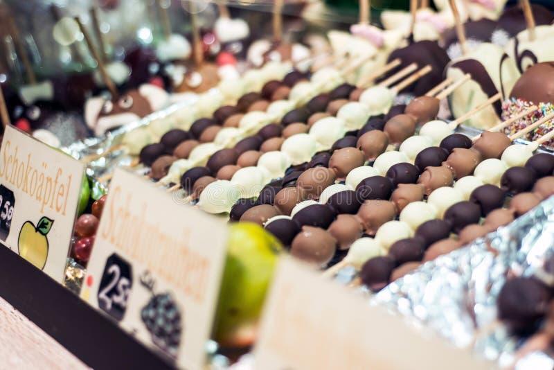 科布伦茨德国16 12 2017年圣诞节市场在老镇卖传统甜点和姜饼的科布伦茨 免版税库存图片