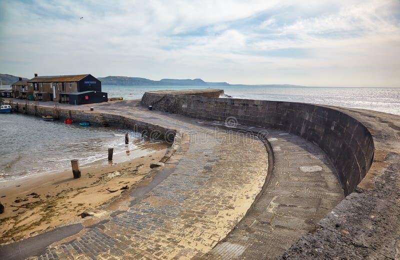 科布的维多利亚码头 Lyme regis 西多塞特 英国 库存图片