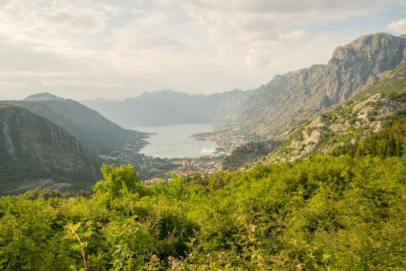 科托尔湾的看法从Lovcen山的 免版税库存图片