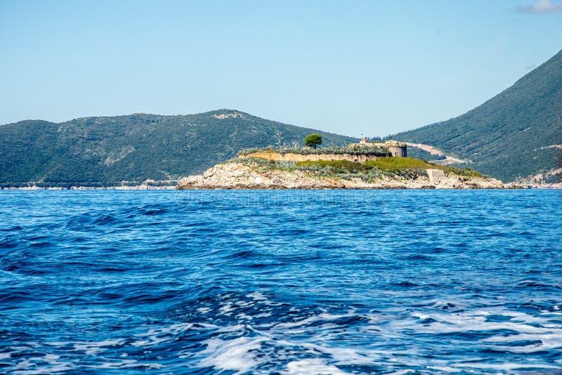 科托尔湾黑山 有堡垒的海岛 图库摄影