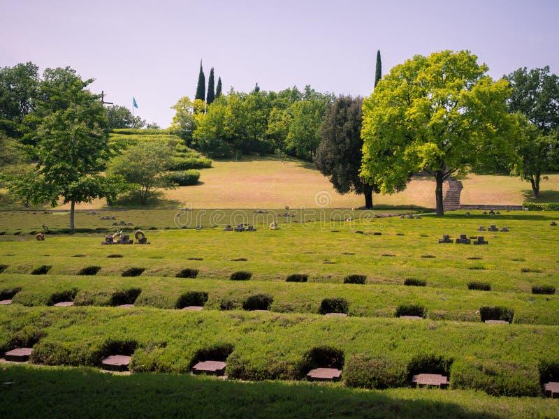 科斯泰尔马诺,意大利德国军事公墓  库存图片