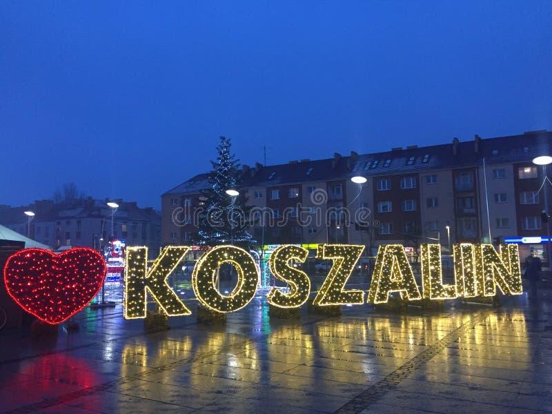 科沙林,波兰,2018年12月城市广场照明 免版税库存照片