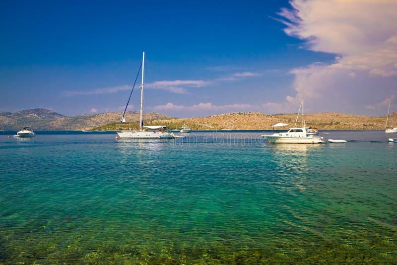 科纳提群岛海岛国家公园乘快艇的视图 库存照片