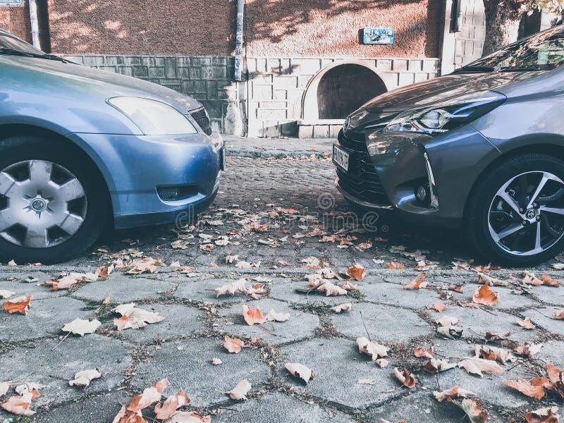科罗拉vs亚里斯 电话图片 背景 汽车 免版税图库摄影