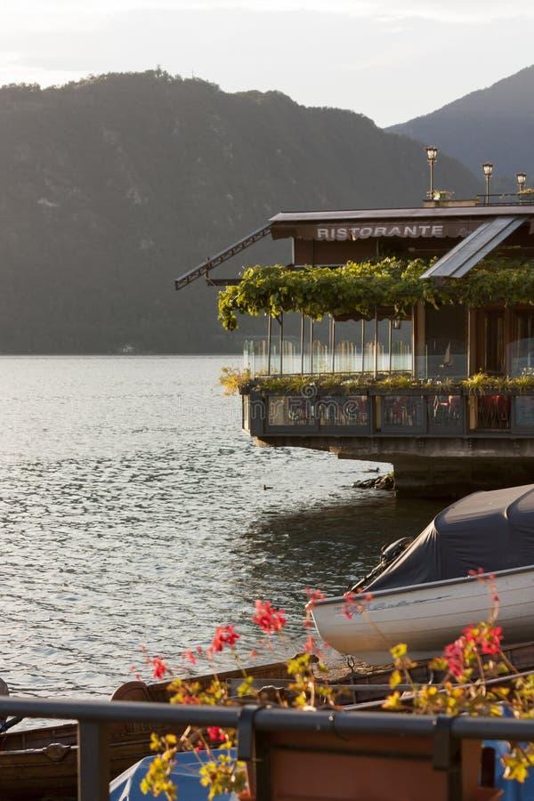 科莫湖的餐馆 库存图片