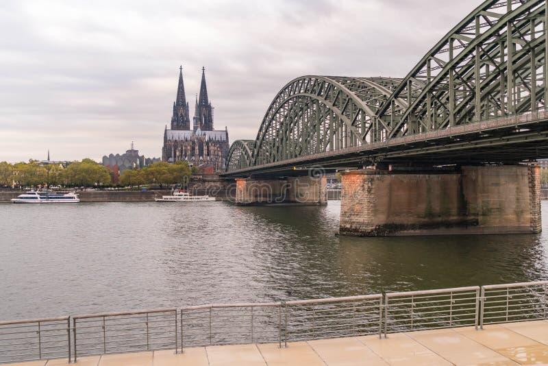 科隆在科隆香水大教堂的河视图 免版税库存照片