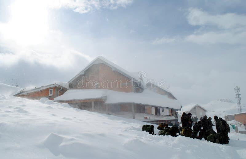 科索沃安全部队在Restelica 免版税库存照片