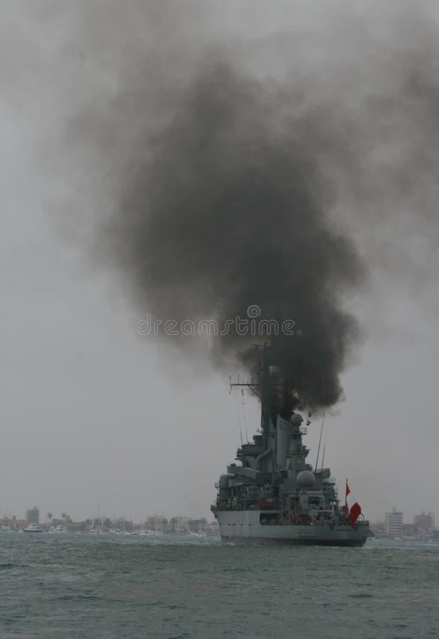 秘鲁战舰污染空气 免版税库存照片