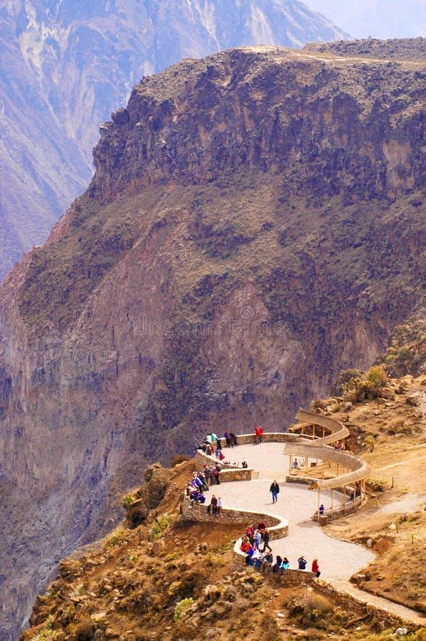 秘鲁,科尔卡峡谷 在3191m的secend黄木樨草最深的峡谷 免版税库存照片