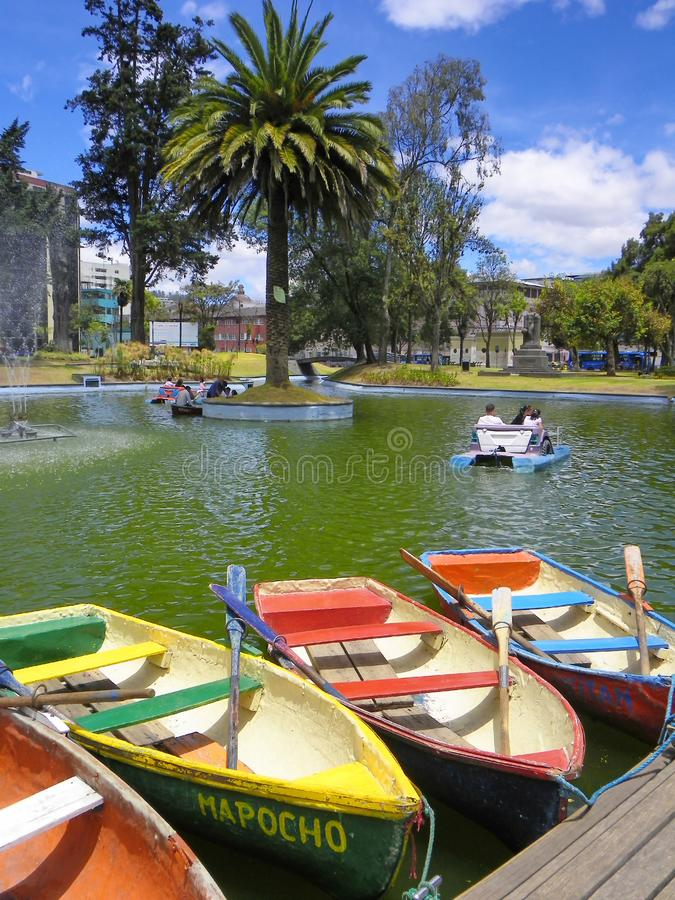 租的在La阿拉米达公园,基多,厄瓜多尔小船 库存图片
