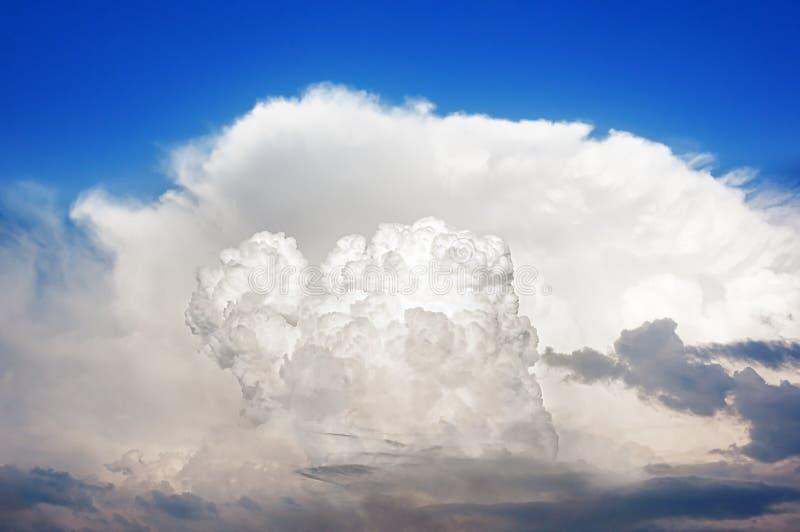 积雨云风雨如磐的云彩 免版税图库摄影
