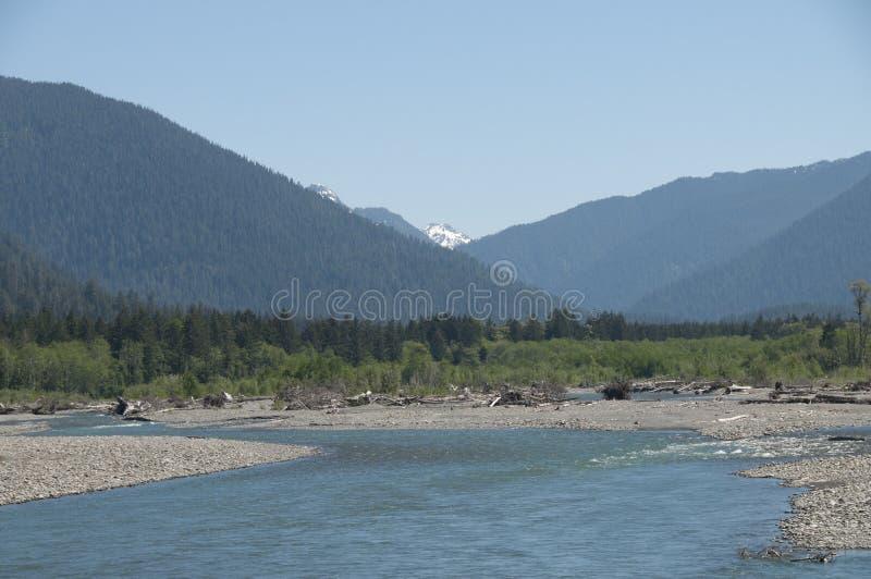 积雪的奥林匹斯山看法有出海口的 库存照片
