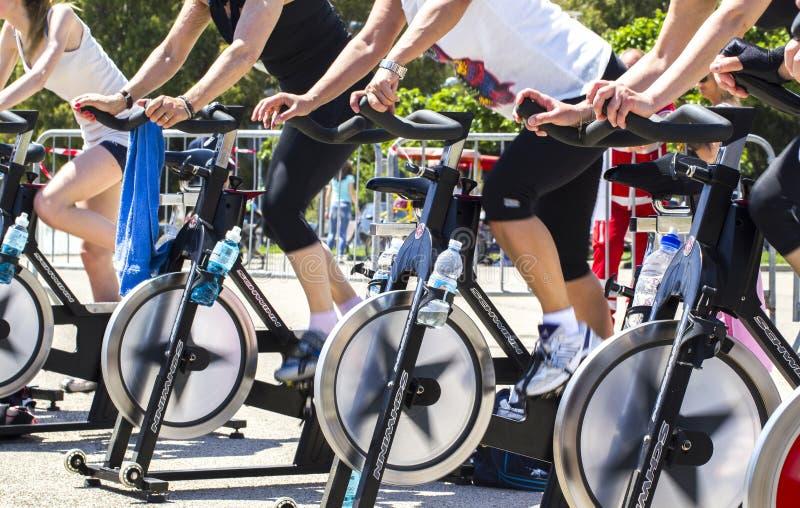 移动在锻炼的腿转动期间 库存图片
