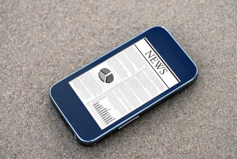 移动电话新闻 免版税库存照片