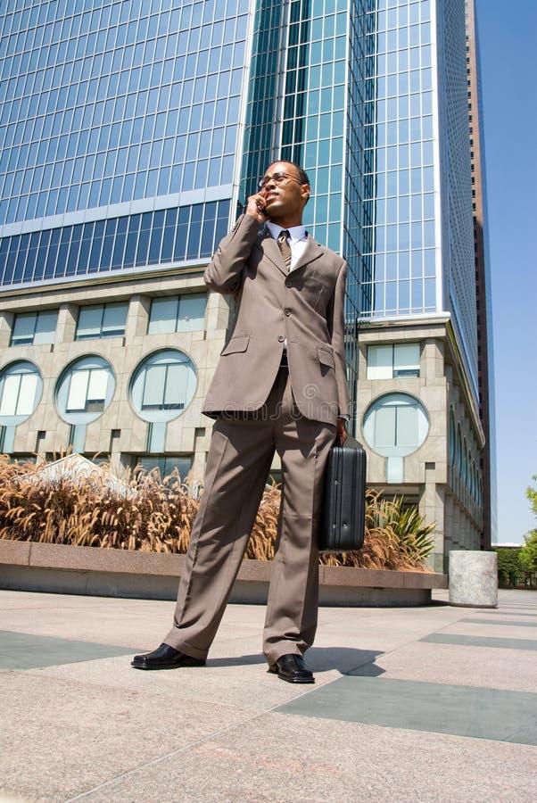 移动电话的非洲裔美国人 免版税库存图片