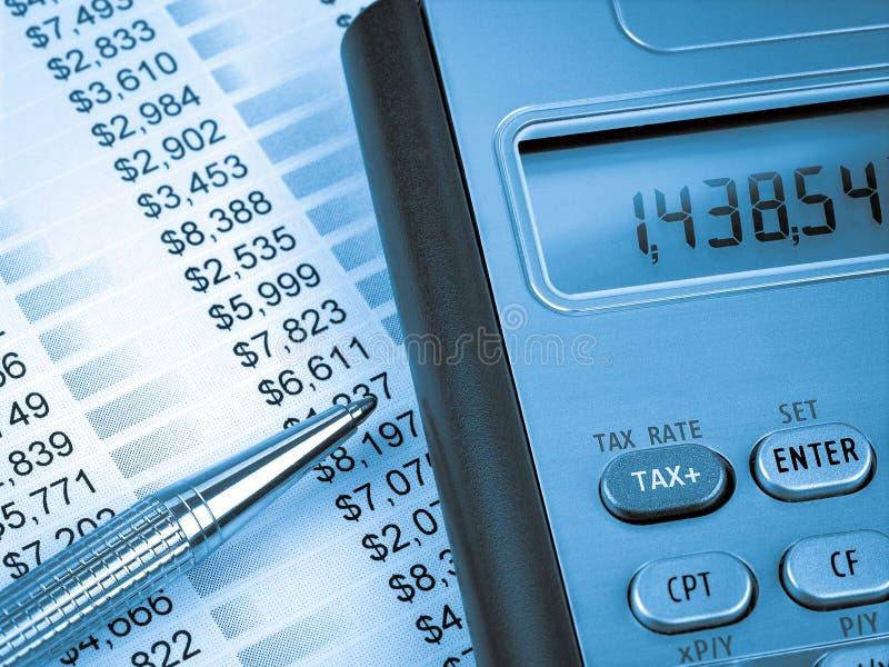 税计算器和笔 免版税库存照片