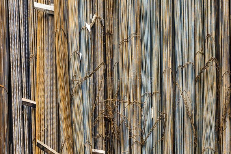 稳定的混凝土的铁在建筑边 免版税图库摄影
