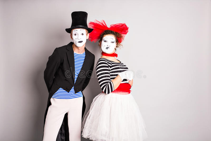 滑稽的笑剧加上腰部画象白色面孔 情人节,愚人节的概念 免版税库存图片