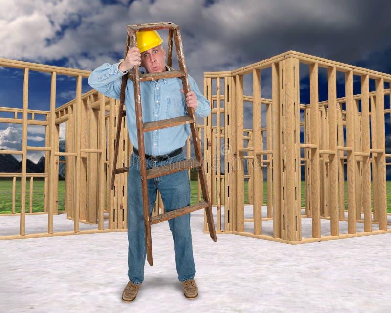 滑稽的建筑工人,工作安全 免版税库存照片