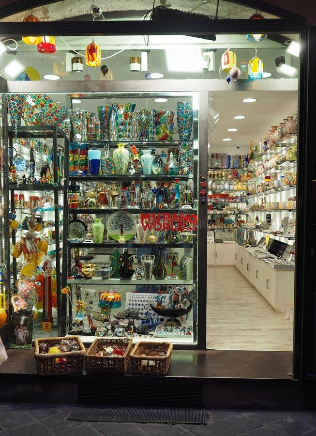 穆拉诺岛玻璃纪念品店在罗马 库存图片