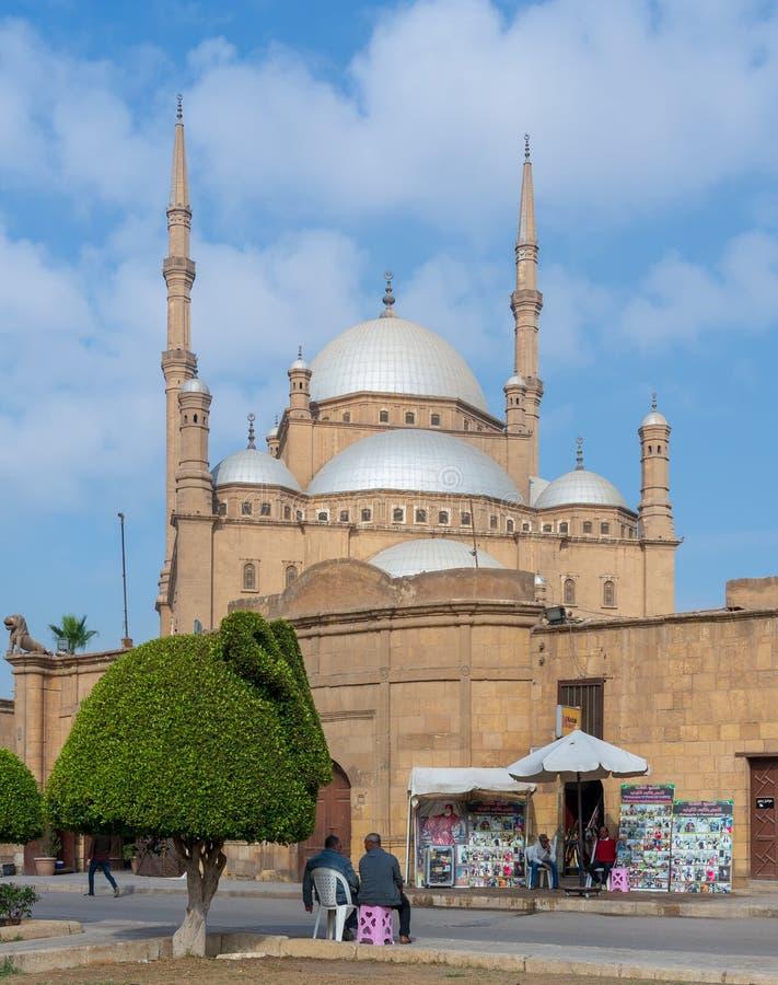 穆罕默德・阿里巴夏雪花石膏清真寺伟大的清真寺,位于在开罗城堡,埃及 免版税库存图片