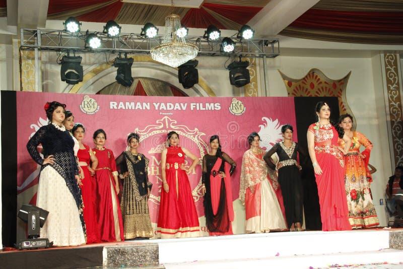 穆巴拉克 比瓦迪NCR Faishon展示-喇曼亚达夫 免版税库存照片