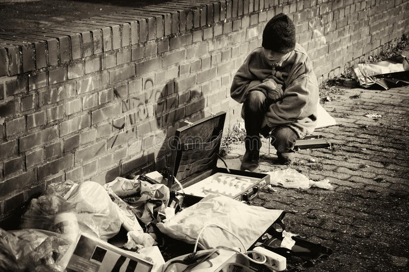 贫穷的男孩 库存照片
