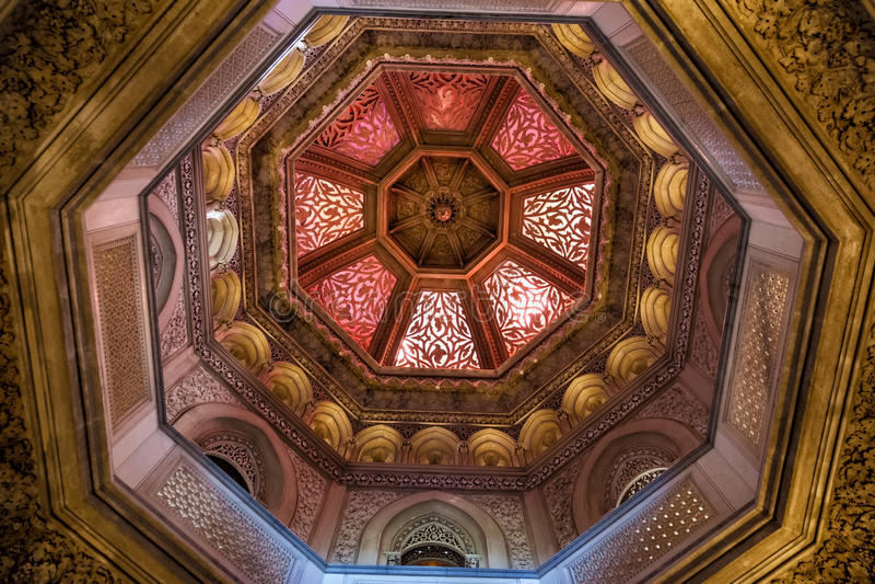 穹顶在Monserrate宫殿  库存照片