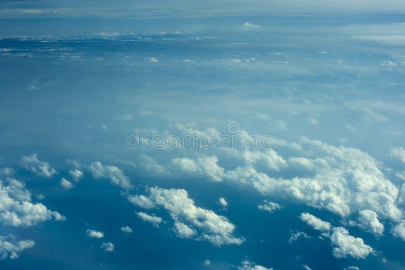 空中云彩形成视图 免版税库存照片