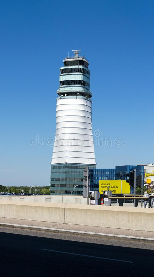空中交通管理塔,维也纳国际机场,奥地利 图库摄影