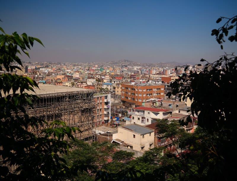 空中全景向安塔那那利佛,马达加斯加的首都 库存图片