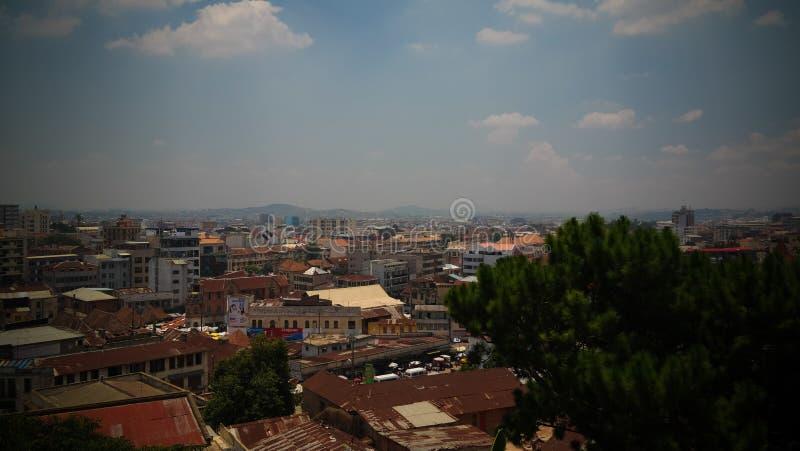 空中全景向安塔那那利佛,马达加斯加的首都 免版税库存照片