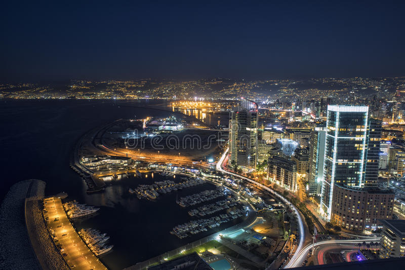 空中夜射击了贝鲁特黎巴嫩,市贝鲁特,贝鲁特市scape 免版税库存图片