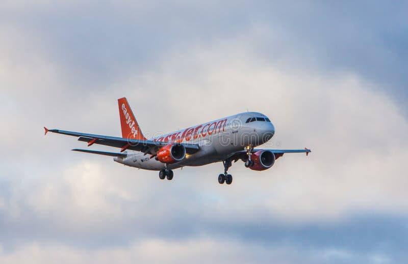 空中客车A320-214 免版税库存照片