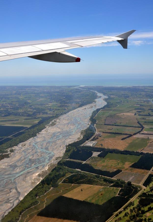 空中新的河waimakariri西兰 免版税库存照片