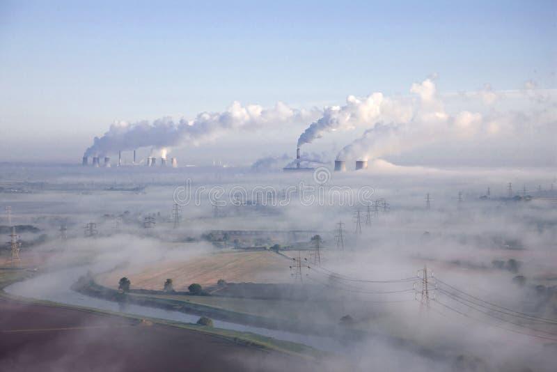 空中有薄雾的早晨 库存照片